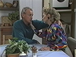 Jim Robinson, Beverly Marshall in Neighbours Episode 1168