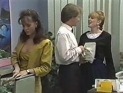 Caroline Alessi, Kelvin Stubbs, Melanie Pearson in Neighbours Episode 1170