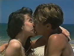 Tanya Walsh, Ryan McLachlan in Neighbours Episode 1170