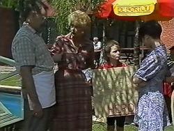 Harold Bishop, Madge Bishop, Lochy McLachlan, Kerry Bishop in Neighbours Episode 1172