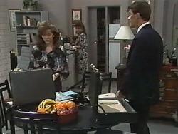 Caroline Alessi, Christina Alessi, Paul Robinson in Neighbours Episode 1174
