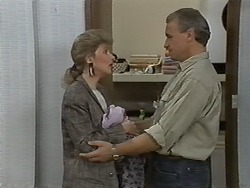 Beverly Robinson, Jim Robinson in Neighbours Episode 1174