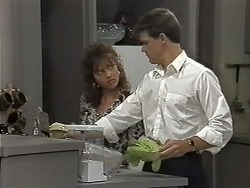 Christina Alessi, Paul Robinson in Neighbours Episode 1174