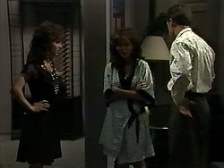 Christina Alessi, Caroline Alessi, Paul Robinson in Neighbours Episode 1176