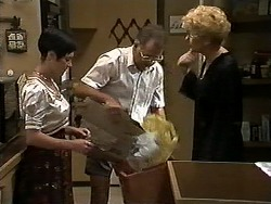 Kerry Bishop, Harold Bishop, Madge Bishop in Neighbours Episode 1176