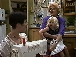 Kerry Bishop, Sky Bishop, Madge Bishop in Neighbours Episode 1176