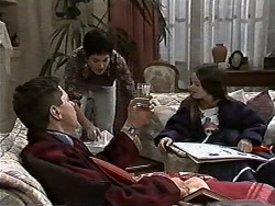 Joe Mangel, Kerry Bishop, Lochy McLachlan in Neighbours Episode 1177