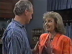 Jim Robinson, Beverly Marshall in Neighbours Episode 1181