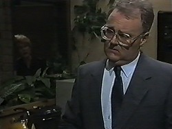 Madge Bishop, Harold Bishop in Neighbours Episode 1181