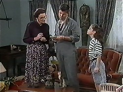 Dorothy Burke, Joe Mangel, Lochy McLachlan in Neighbours Episode 1183