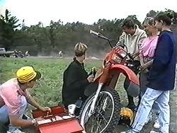 Josh Anderson, Ryan McLachlan, Todd Landers, Melissa Jarrett, Cody Willis in Neighbours Episode 1184