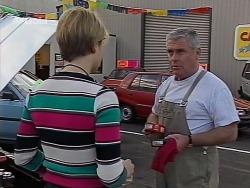 Danni Stark, Lou Carpenter in Neighbours Episode 2229
