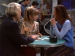 Helen Daniels, Hannah Martin, Cody Willis in Neighbours Episode 2271