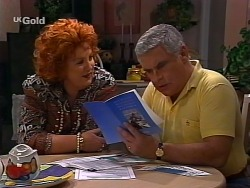 Cheryl Stark, Lou Carpenter in Neighbours Episode 2272