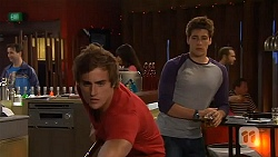 Kyle Canning, Chris Pappas in Neighbours Episode 6587