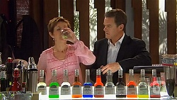 Susan Kennedy, Paul Robinson in Neighbours Episode 6589