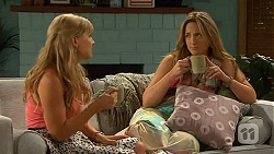 Georgia Brooks, Sonya Rebecchi in Neighbours Episode 6590