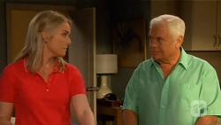Lauren Turner, Lou Carpenter in Neighbours Episode 6592