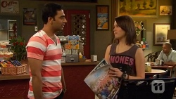 Ajay Kapoor, Sophie Ramsay in Neighbours Episode 6592