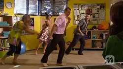Sonya Mitchell, Vanessa Villante, Toadie Rebecchi, Lucas Fitzgerald, Kate Ramsay in Neighbours Episode 6594