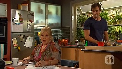 Sheila Canning, Rhys Lawson in Neighbours Episode 6595