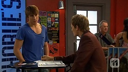 Mason Turner, Andrew Robinson in Neighbours Episode 6597