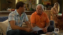 Matt Turner, Lou Carpenter, Amber Turner in Neighbours Episode 6597