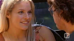 Amber Turner, Robbo Slade in Neighbours Episode 6598