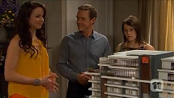 Kate Ramsay, Paul Robinson, Sophie Ramsay in Neighbours Episode 6599