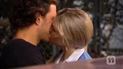 Robbo Slade, Amber Turner in Neighbours Episode 6600