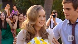 Sonya Mitchell, Kyle Canning in Neighbours Episode 6602