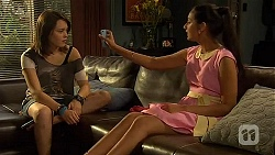 Sophie Ramsay, Rani Kapoor in Neighbours Episode 6603