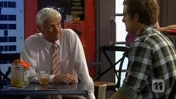 Eddie Lawson, Kyle Canning in Neighbours Episode 6605
