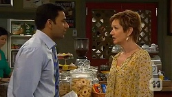 Ajay Kapoor, Susan Kennedy in Neighbours Episode 6606