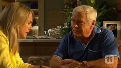 Lauren Turner, Lou Carpenter in Neighbours Episode 6609