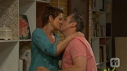 Susan Kennedy, Karl Kennedy in Neighbours Episode 6610