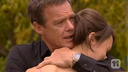 Paul Robinson, Sophie Ramsay in Neighbours Episode 6610