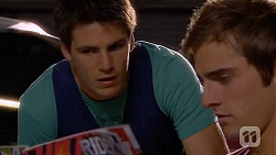 Chris Pappas, Kyle Canning in Neighbours Episode 6610
