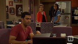 Ajay Kapoor, Susan Kennedy, Rani Kapoor in Neighbours Episode 6611