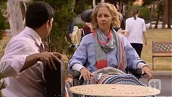 Ajay Kapoor, Elaine Lawson in Neighbours Episode 6612
