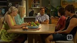 Amber Turner, Lauren Turner, Matt Turner, Bailey Turner, Mason Turner in Neighbours Episode 6615
