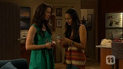 Kate Ramsay, Rani Kapoor in Neighbours Episode 6619