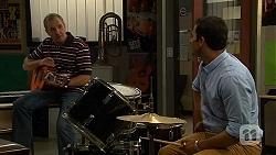 Karl Kennedy, Ajay Kapoor in Neighbours Episode 6620