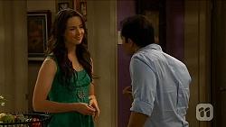 Kate Ramsay, Ajay Kapoor in Neighbours Episode 6620