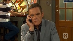 Paul Robinson in Neighbours Episode 6621