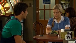 Chris Pappas, Amber Turner in Neighbours Episode 6621