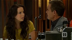Kate Ramsay, Paul Robinson in Neighbours Episode 6621