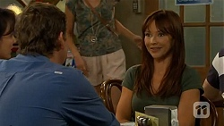 Vanessa Villante, Lucas Fitzgerald, Steph Scully in Neighbours Episode 6622