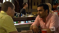 Toadie Rebecchi, Ajay Kapoor in Neighbours Episode 6625