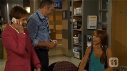 Susan Kennedy, Karl Kennedy, Steph Scully in Neighbours Episode 6627